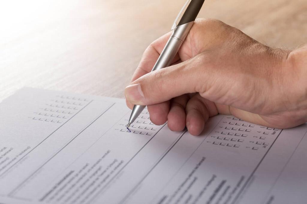 Firmen- und Grundeigentümerbefragung und Erstellung der Standortanalyse